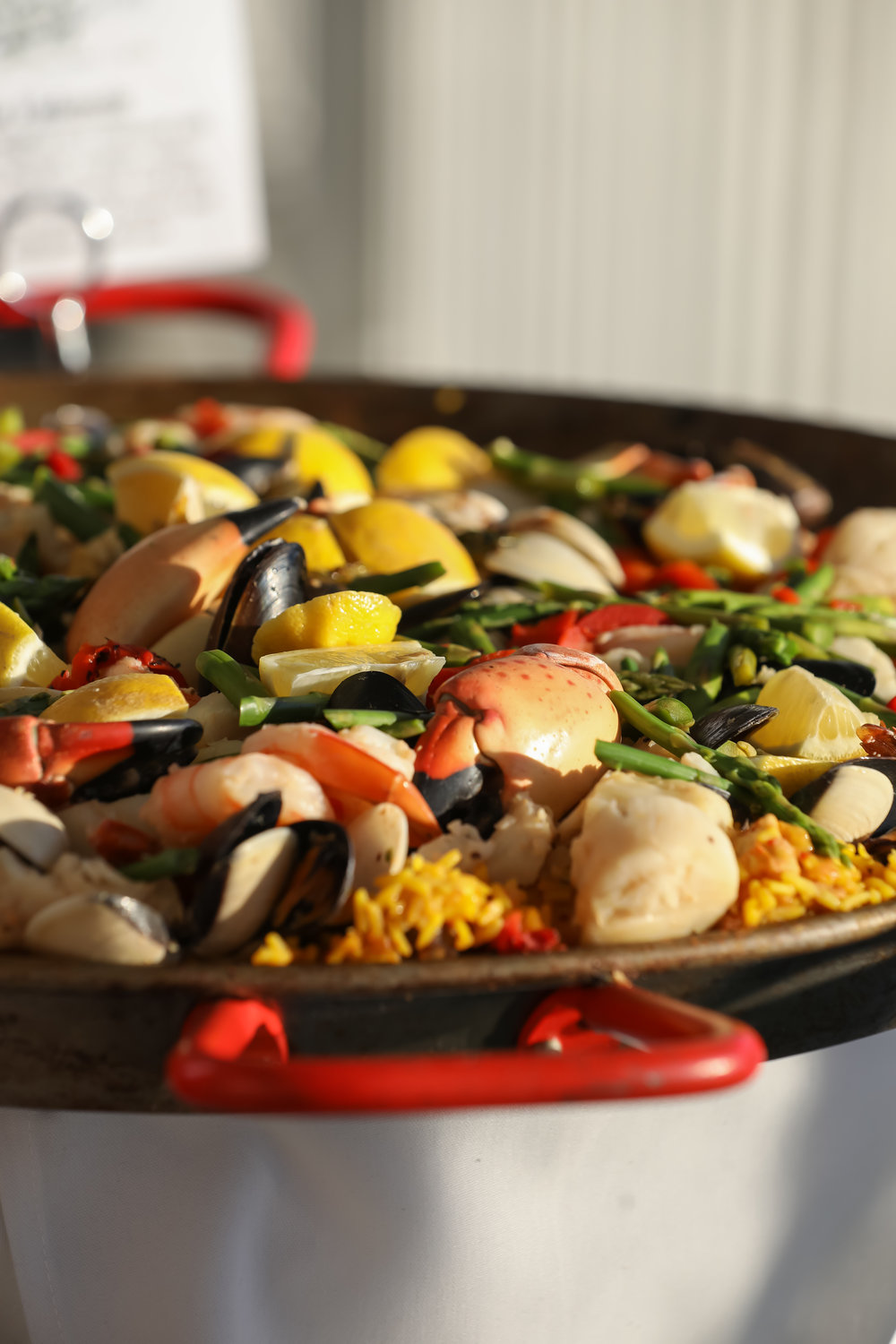 Guests enjoyed Floridian cuisine including grilled oysters in the halfshell, cedar plank salmon, and a giant seafood paella station.