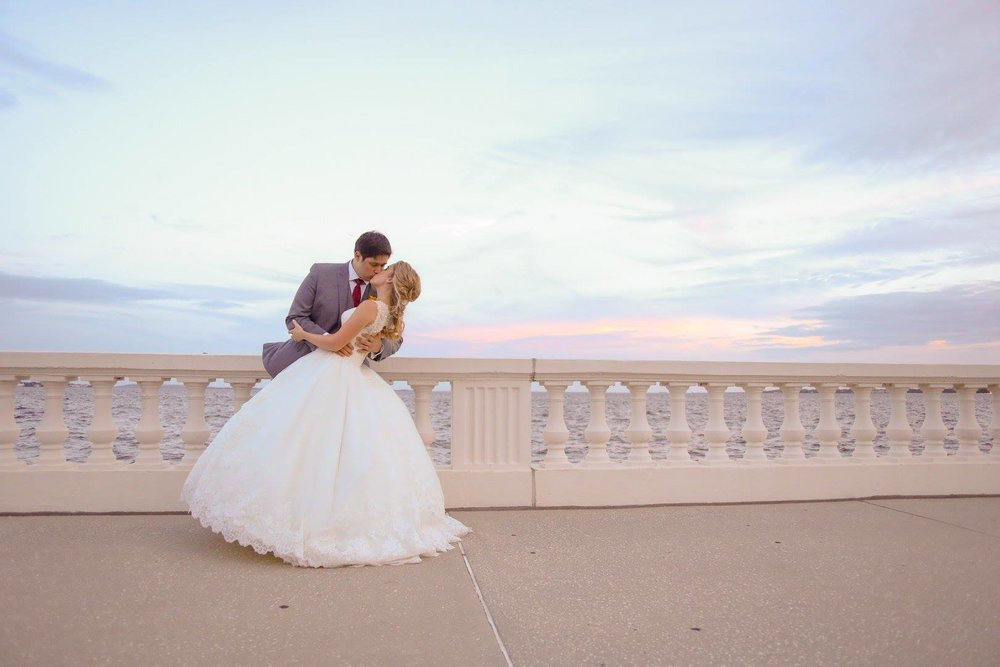 A gorgeous Florida sky was the perfect backdrop for this couple who celebrated in true Tampa fashion!