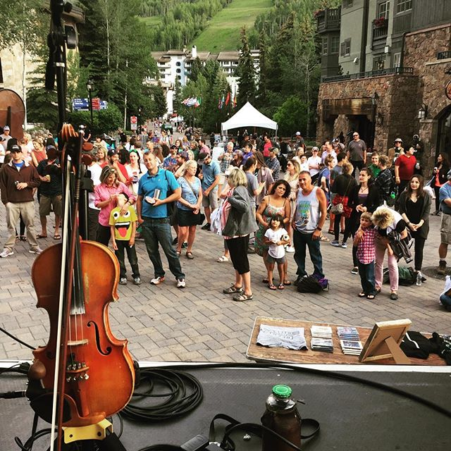 Vail craft beer fest! #fiddle #gypsy