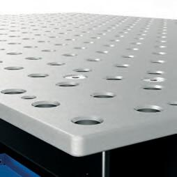 TABLE TOP:  The table plate is made of through-hardened tool steel. For the hardening process, Siegmund uses a specially developed alloy.
