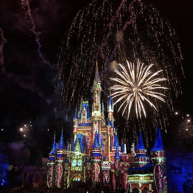 Let the fireworks begin our latest podcast has been uploaded. #fab4traveltalk #disneypodcast #waltdisneyworld #mickeyguruadventures