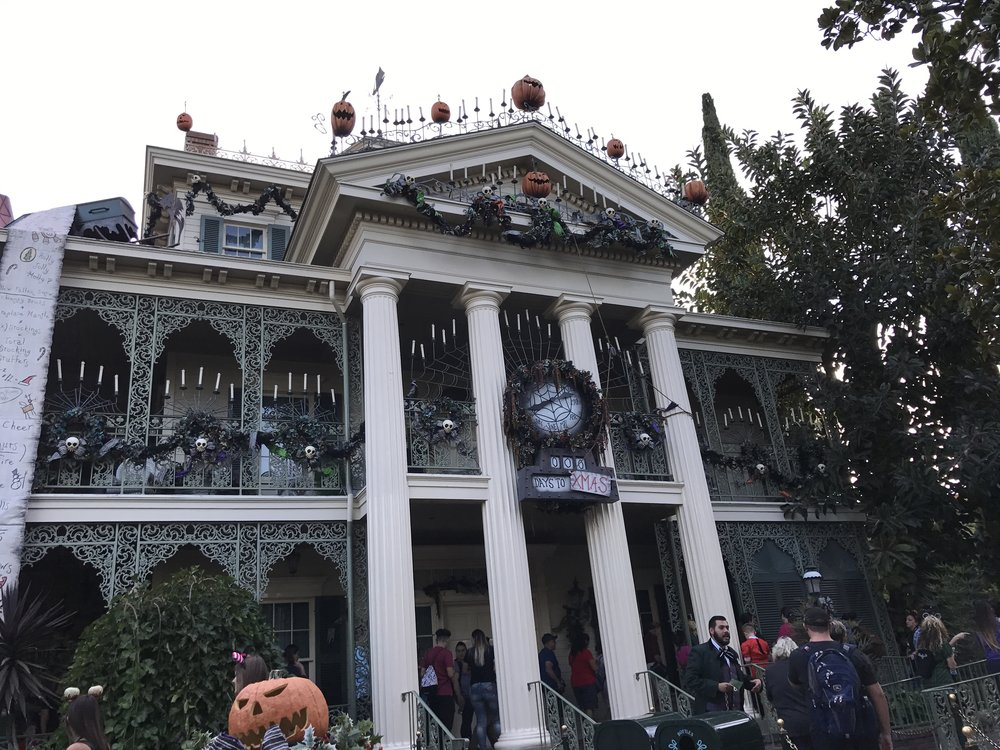 Every fall, The Haunted Mansion transforms into Haunted Mansion Holiday. It's one of my family's favorite Disneyland attractions!