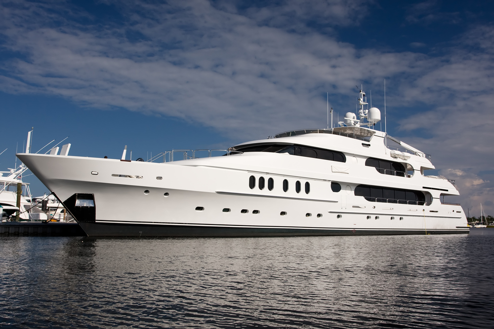 Big Yatch - 300 feet