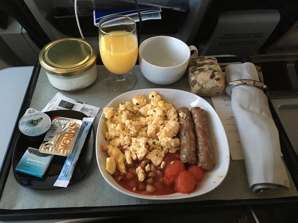 Icelandair breakfast on KEF-CPH flight segment.