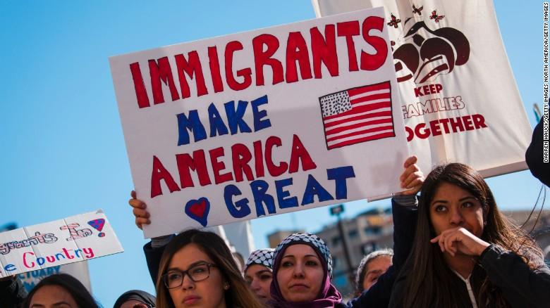 170214094237-cnnee-milwaukee-immigrants-protest-exlarge-169.jpg