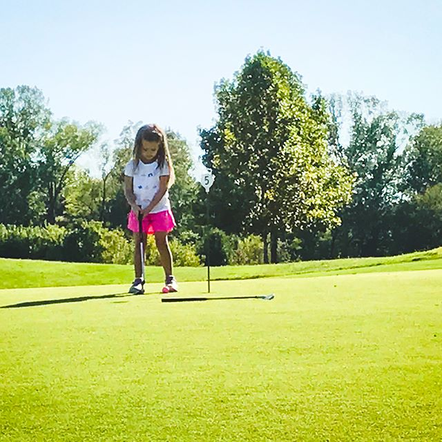 This little one makes my heart so happy. ❤️🏌️‍♀️ She has been keeping up with the boys and loving the game. #startthemyoung #champions #sarahdantgolf