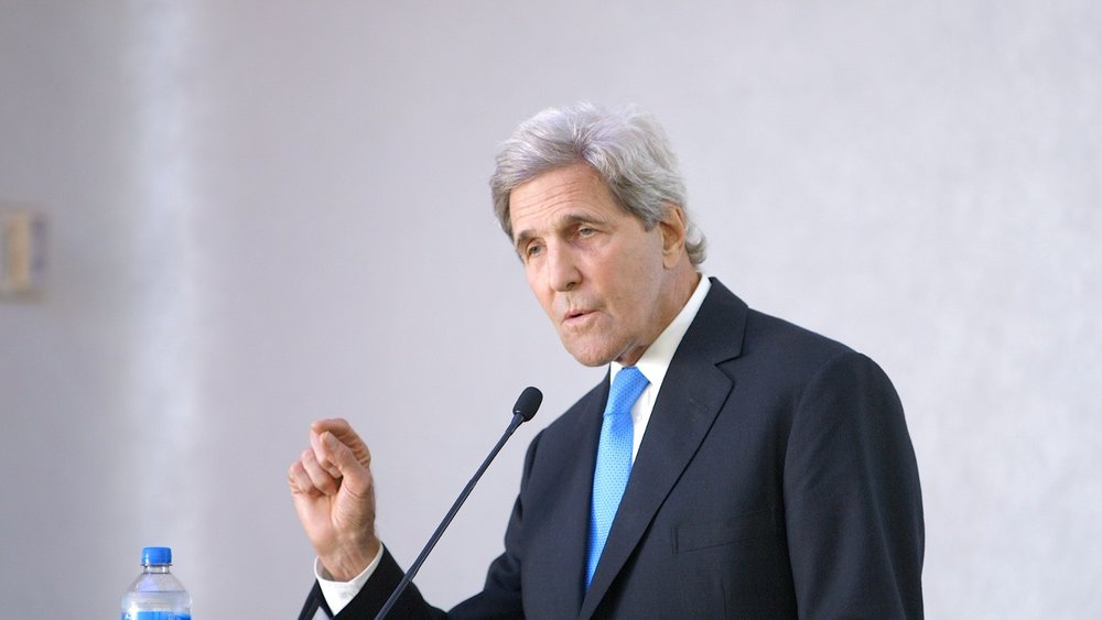 Former Secretary of State John Kerry at Higher Education Leadership on Carbon Pricing.  Photo by Kaia Rose.