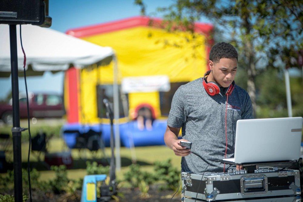 DJ_1.jpg