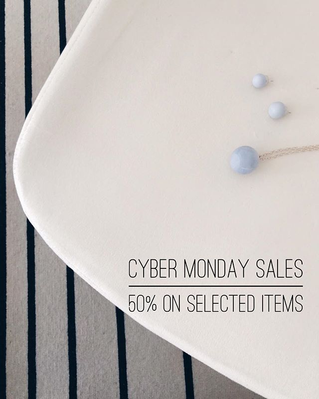 Missed Black Friday Sales? Don't worry! Now our pendants and earrings are 50% OFF. For ONE DAY only. Tap link in bio. #newyork #jewelry #cementjewel #ring #minimalism #cement #newyorker #vogue #igersmanhattan #rentalmag #broadmag #losangeles #jewelryart #ny #minimalism #minimalmag #allure #bazaar #instagood #instadaily #fashion #stylish #ootd #manhattan #minimAl #cerealmag #ignant #elegant #ootd #style #cybermonday