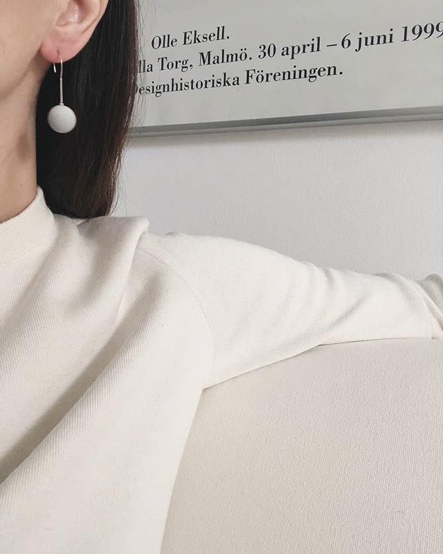 It's the little details that create the big picture. #newyork #jewelry #cementjewel #ring #minimalism #cement #newyorker #vogue #igersmanhattan #rentalmag #broadmag #losangeles #jewelryart #ny #minimalism #minimalmag #allure #bazaar #instagood #instadaily #fashion #stylish #ootd #manhattan #minimAl #cerealmag #ignant #elegant #ootd #style