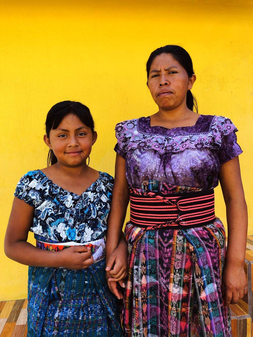 Tinte Maya Artisan, Alejandra, and her daughter.