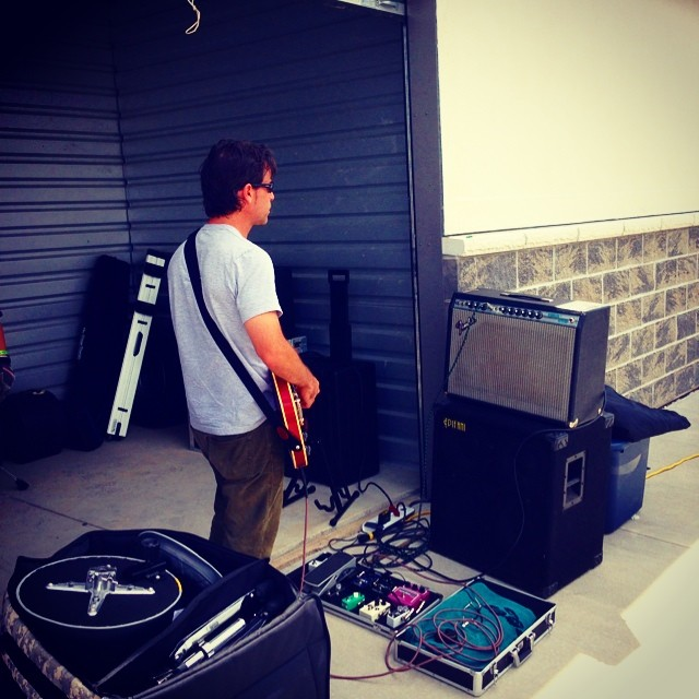 Dave warming up at the storage space!?!? Thanks to Kim @dovevalleystorage for letting us drop our gear! #ums2014