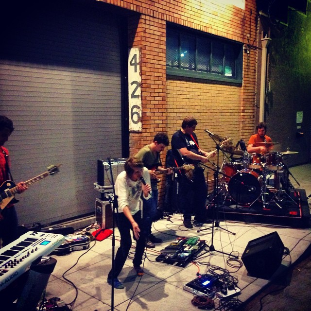 @lordsofsealand rawkin their set curbside @artmurmur !