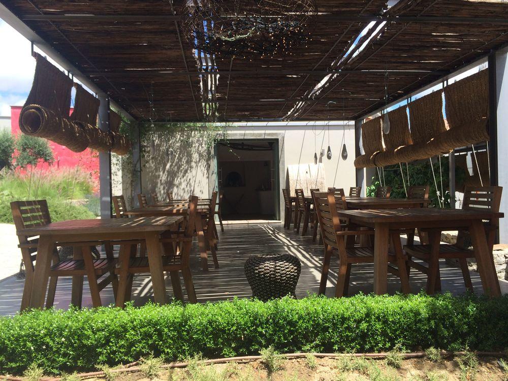 PORTUGAL-FazendaNova Dining area.jpg