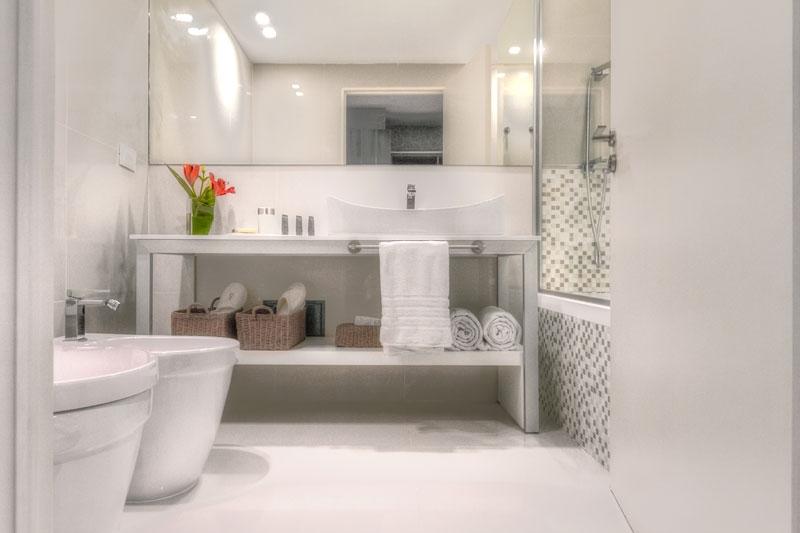 ARGENTINA - BA - CasaSur-Bellini-Bathroom.jpg