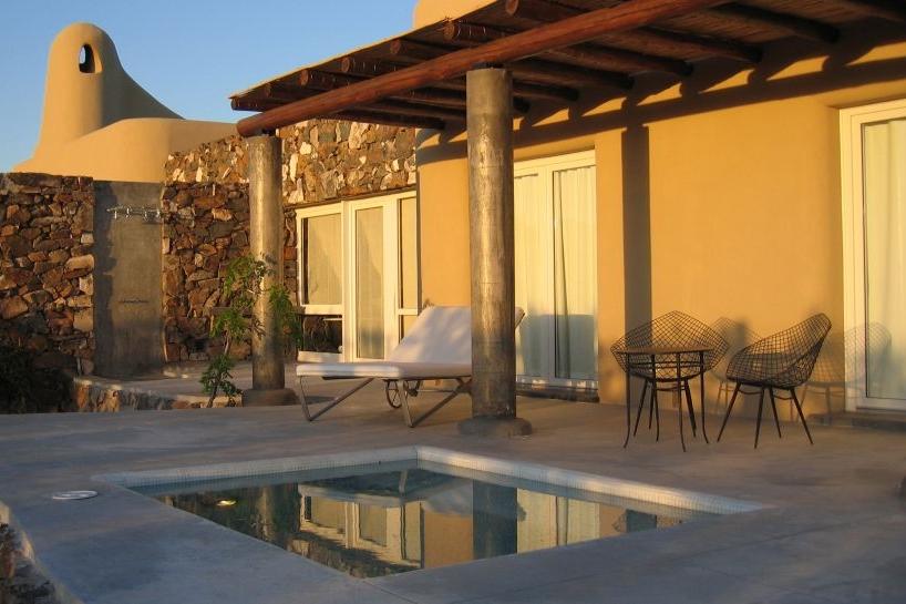 ARGENTINA -cavas-exterior-villa-private-pool.jpg