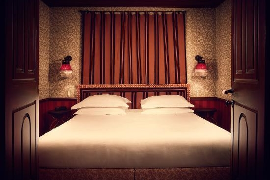 FRANCE - Paris - hotel-bourg-tibourg small room.jpg