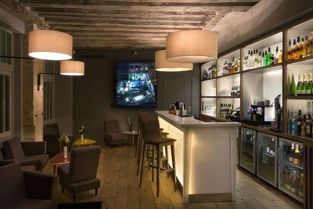 FRANCE-Paris-Jules et Jim-Bar-Lounge.jpg