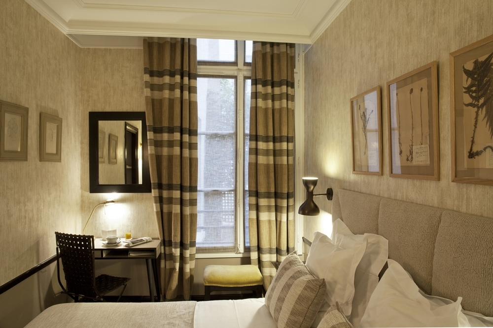 FRANCE-Paris-Hotel Therese-Tradition Double.jpg