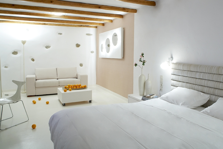 GREECE-Mykonos-bill__coo_suites_room with sitting area.jpg