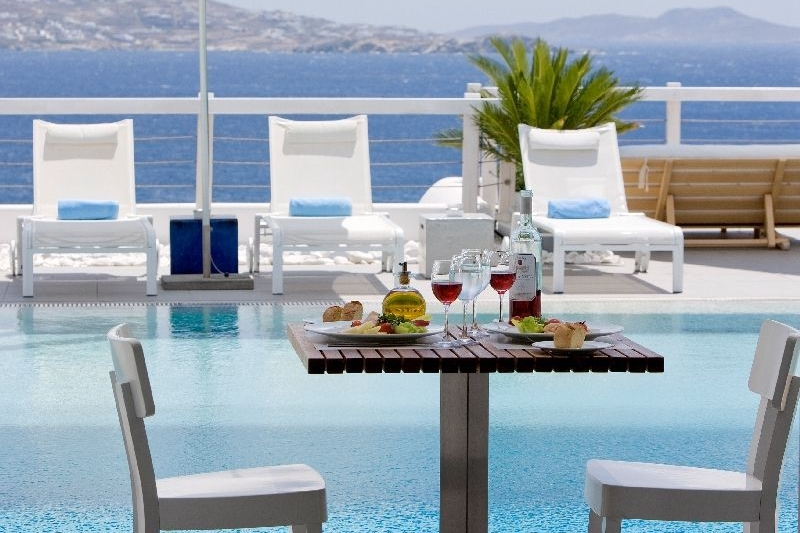 GREECE-Mykonos-Grace-Hotel_poolside.jpg