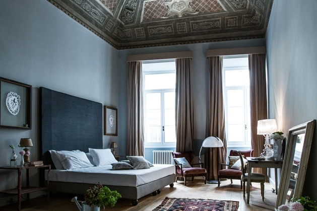 ITALY-FLorence-Soprarno-Larger Room.jpg