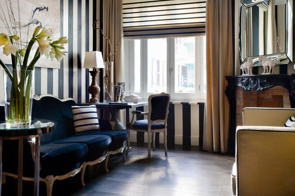ITALY-Rome-casa_montani_lobby.jpg