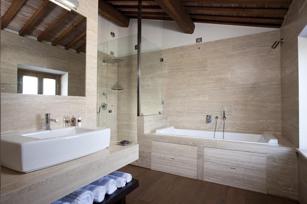 ITALY-Tuscany-Poggio Piglia - deluxe-bagno_0.jpg