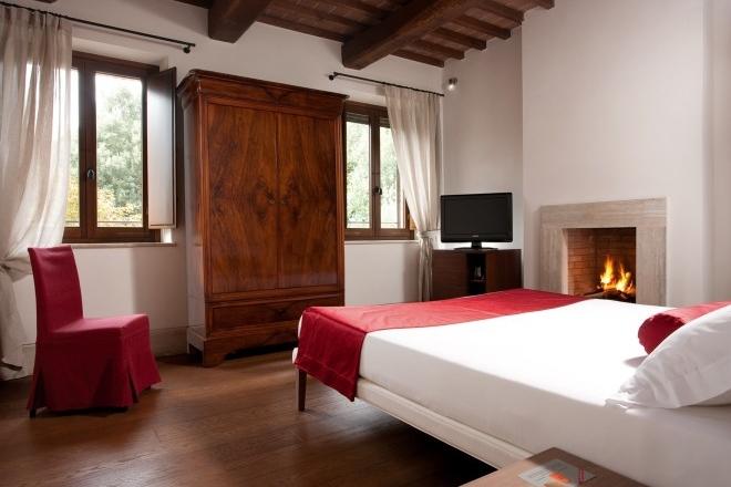 ITALY-Tuscany-poggio-piglia-hotel-room .jpg