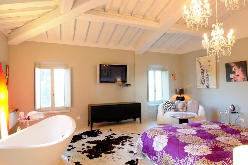 ITALY-Tuscany-Siena House- Room.jpg