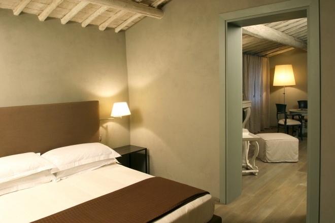 ITALY-Tuscany-villa-sassolini-hotel-room 2.jpg