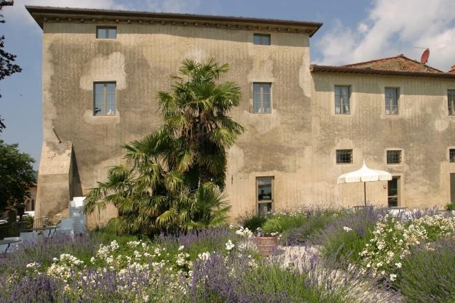 ITALY-Tuscany-villa-sassolini-hotel-gardens.jpg