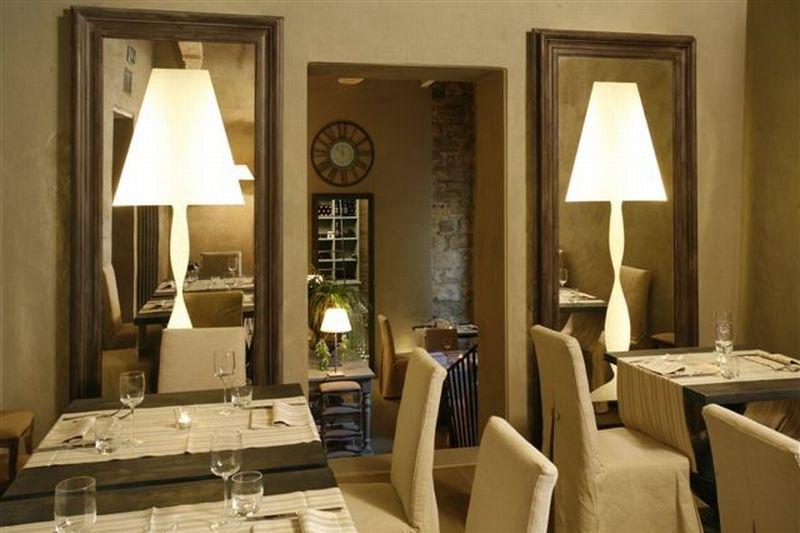 ITALY-Tuscany-Villa-Sassolini_dining.jpg