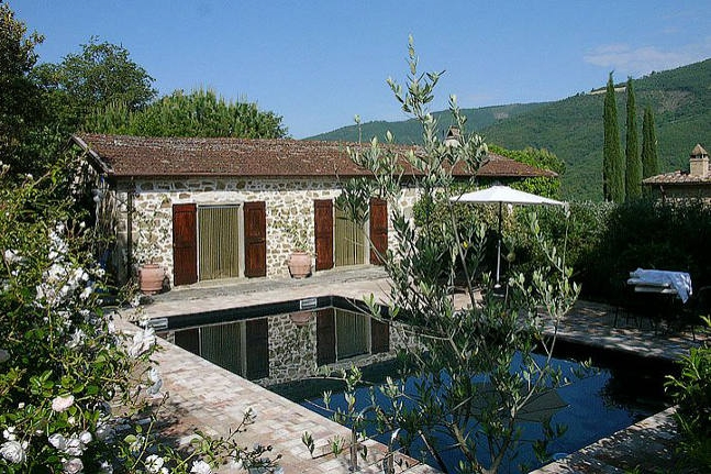 ITALY-Umbria-Villa Metato-Pool.jpg