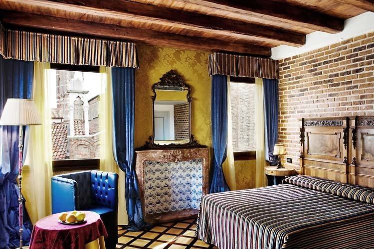 ITALY-Venice-Bloom - Room .jpg