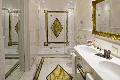 ITALY-Venice-hotel-ai-reali-deluxe rm bath.jpg
