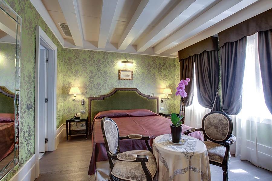 ITALY-Venice-Hotel Moresco-Rooms1.jpg