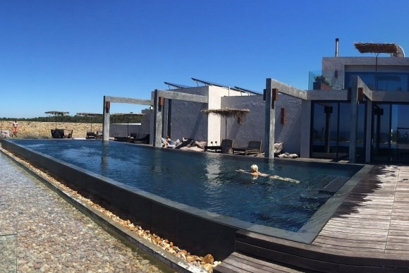 PORTUGAL - areiasdoseixo-heated pool.jpg