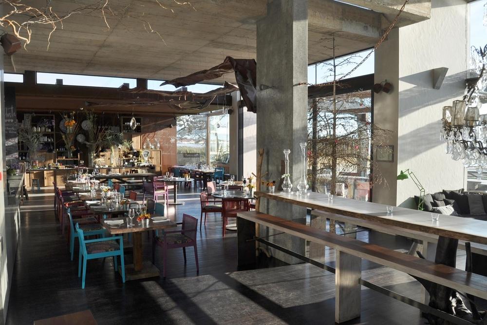 PORTUGAL - areiasdoseixo - restaurant.jpg