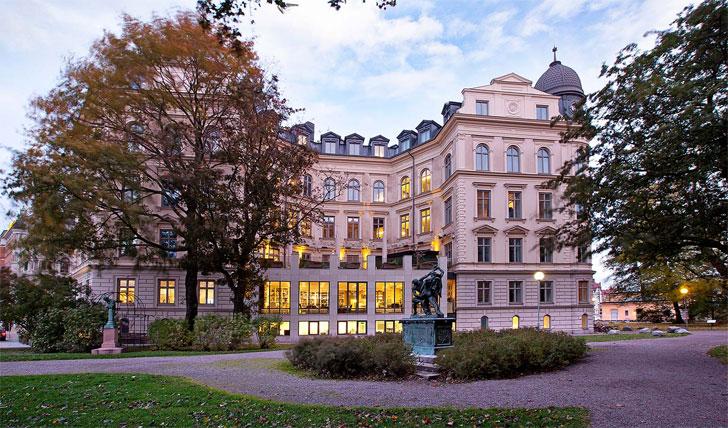 Lydmar-Hotel.jpg