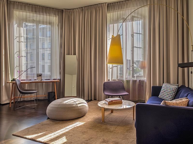 nobis_hotel_rum__g_medium.jpg