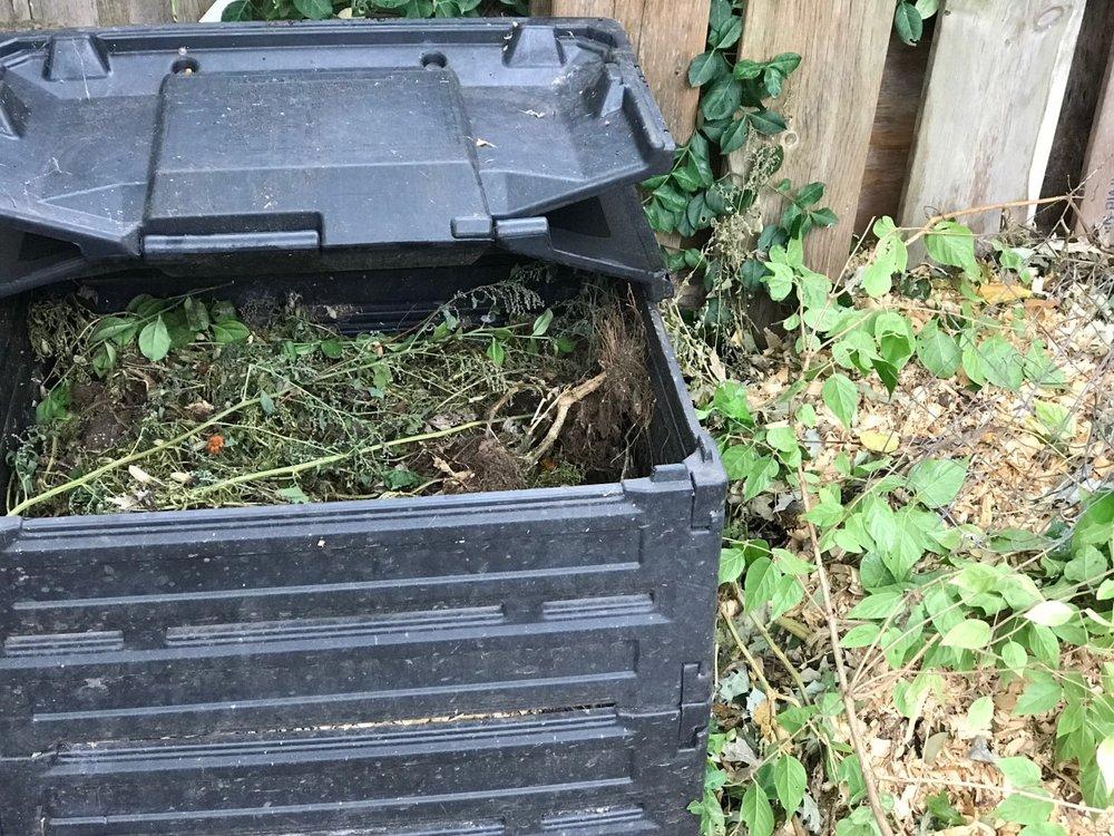 compost bin black.jpg