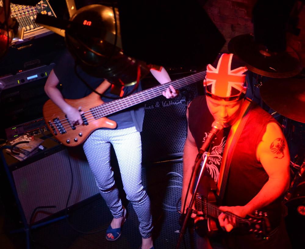 Yukako Ishii crushing on bass and Andy Kinlay flying the Union Jack
