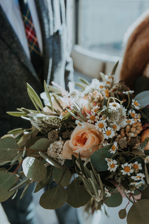 aleicht-katiejohn-wedding-peek-9.jpg