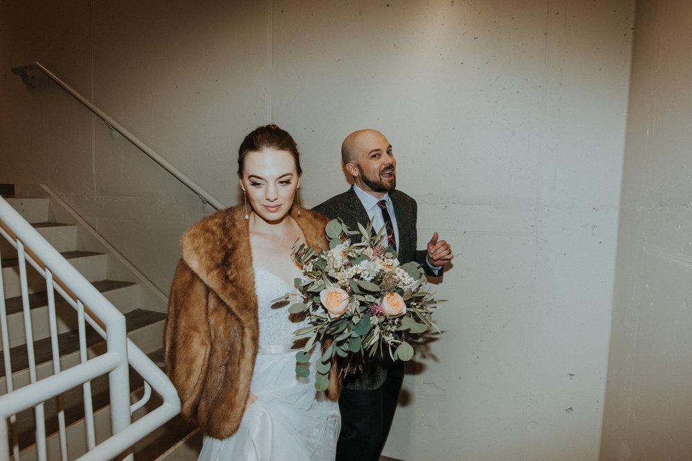 aleicht-katiejohn-wedding-peek-12.jpg