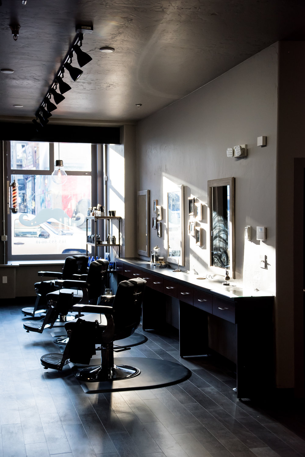 Franks Salon-25.jpg