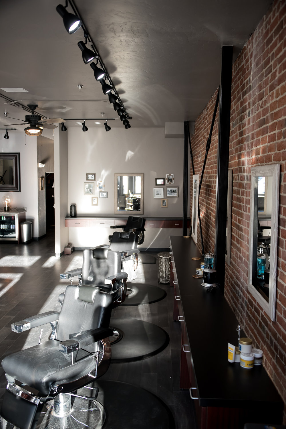 Franks Salon-39.jpg