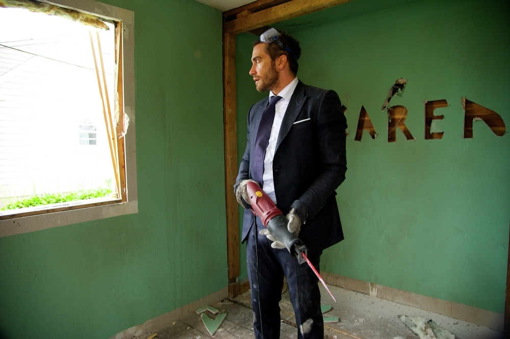 Jake Gyllenhaal excels in playing Davis, who seeks to rebuild his life by first tearing it all down. (Fox Searchlight)