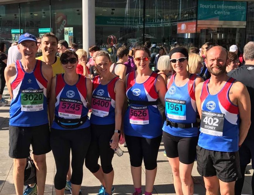 Ivan, Stuart, Nadine, Lisa, Katherine, Emma and Mark pre-race.
