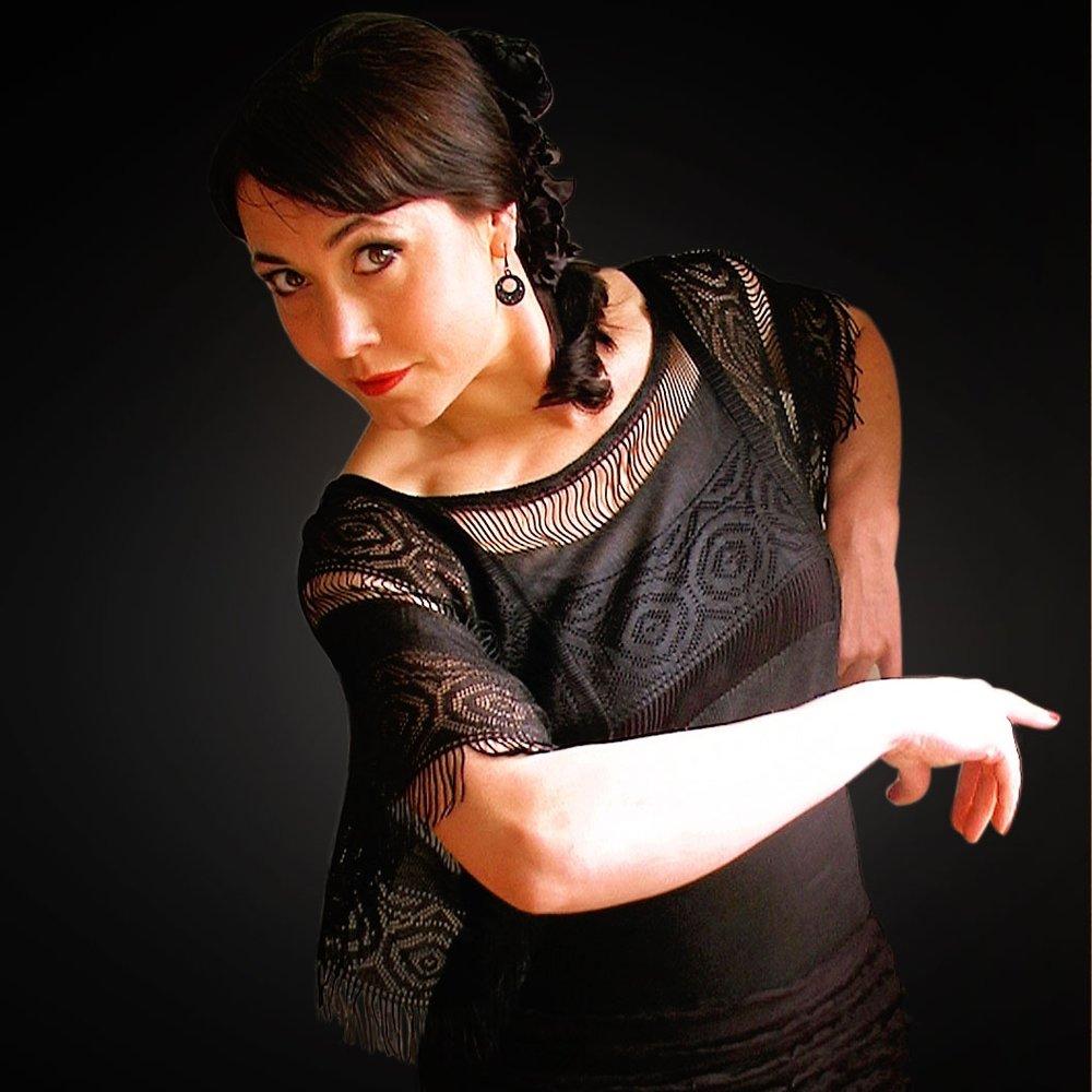 La Liz - La Liz kreeg haar opleiding in Sevilla en Jerez. Ze trad op met tal van muzikanten en met verschillende compagnieën in binnen- en buitenland, en is de bezielster